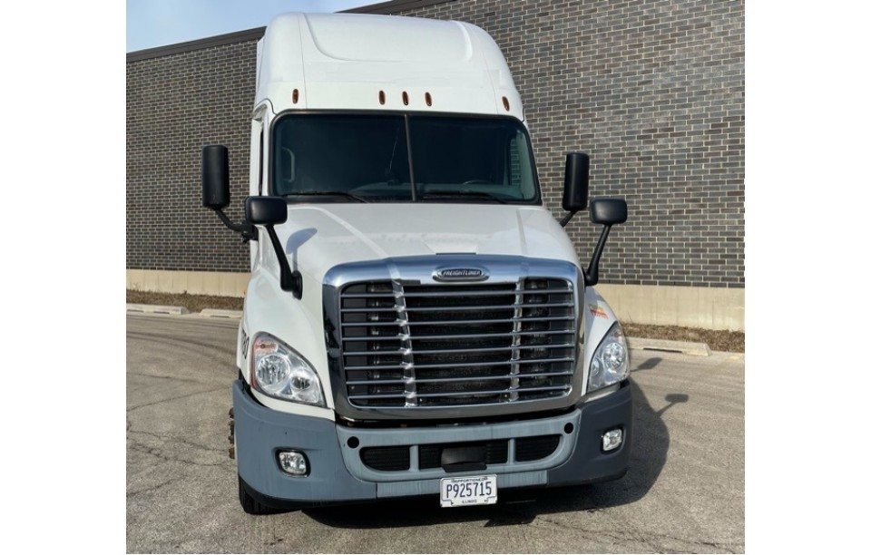 SOLD!!!    2016 Freightliner Cascadia